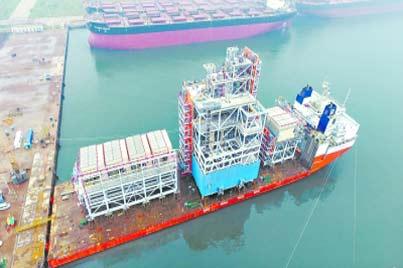俄羅斯石油公司首次交付液化天然氣運輸船