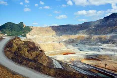 江苏连云港口岸汞含量超标铜精矿遭退运
